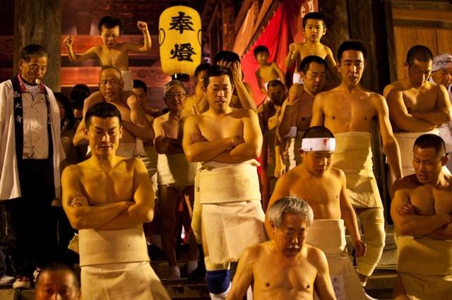Hàng nghìn người đàn ông khỏa thân trong lễ hội kỳ lạ nhất ở Nhật Bản  - 2