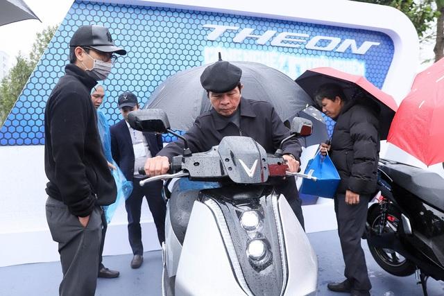 Trang bị cao cấp, bộ đôi xe máy điện mới của VinFast sẽ được định giá như thế nào? - 2