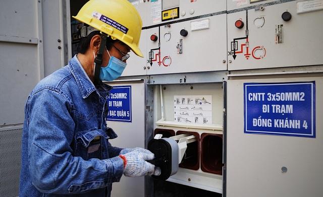 Người thợ điện với 30 sáng kiến, giúp doanh nghiệp tiết kiệm hàng tỷ đồng  - 5