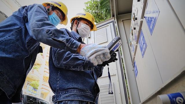 Người thợ điện với 30 sáng kiến, giúp doanh nghiệp tiết kiệm hàng tỷ đồng  - 7