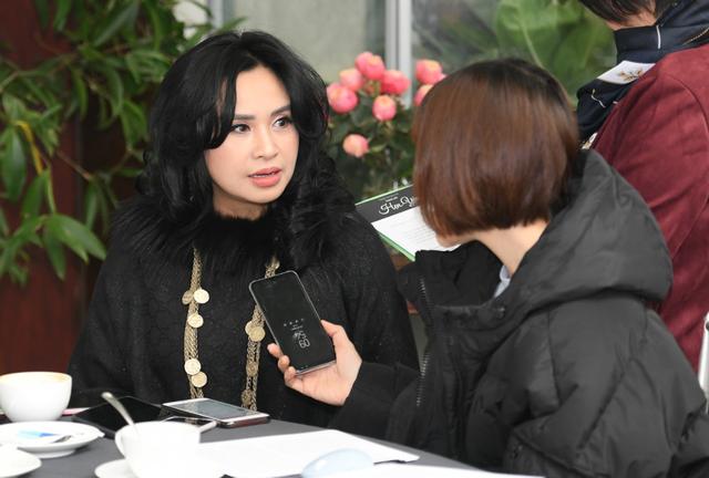 Diva Thanh Lam nhận lời cầu hôn của bạn trai - 1
