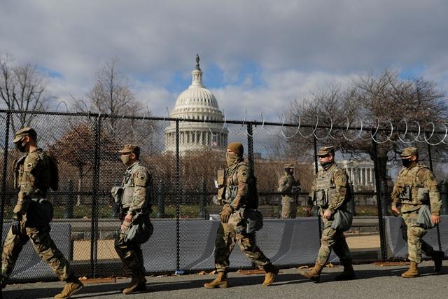 Pháo đài an ninh chưa từng có trước giờ nhậm chức của ông Biden - 1