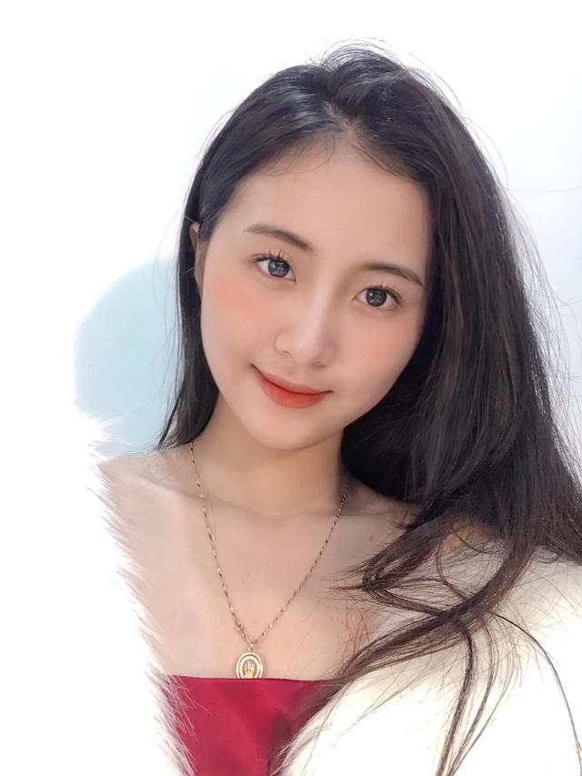 Thiếu nữ Đà Nẵng 17 tuổi được khen đẹp thuần khiết, thơ ngây - 5