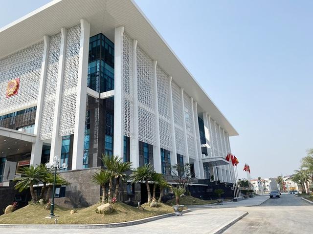 Hà Nội: Quận ra quyết định thu hồi 3 sổ đỏ của dân, tòa không đồng ý - 1