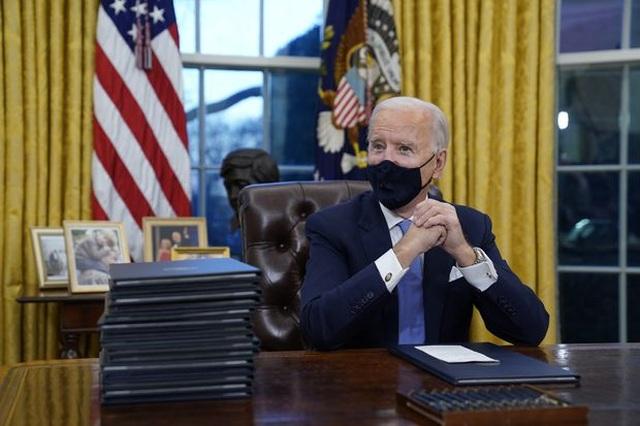 Ông Biden hé lộ về bức thư tử tế ông Trump để lại - 1