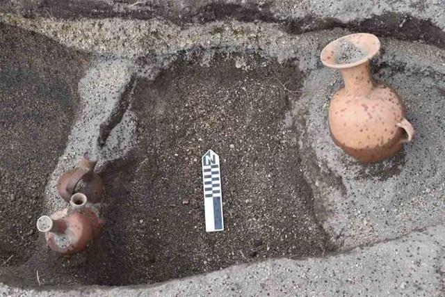 Đồ tạo tác bí ẩn được tìm thấy trong nghĩa trang Inca cổ đại ở Ecuador - 2