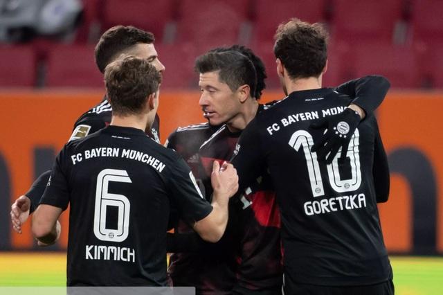 Lewandowski tỏa sáng, Bayern Munich giữ vững ngôi đầu Bundesliga - 2