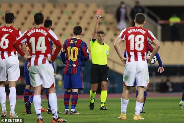 """Nc247info tổng hợp: """"Trọng tài đuổi Messi cần phải bị... Trừng phạt"""""""