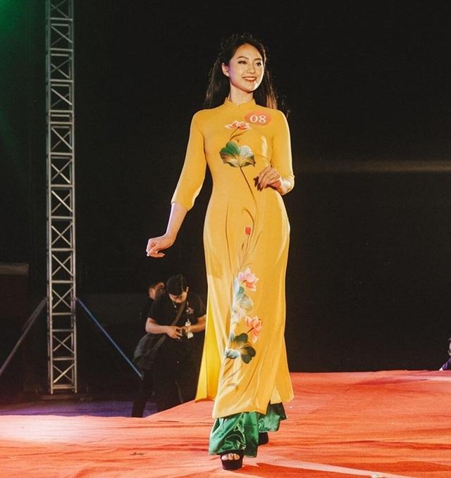 2 nữ sinh Việt mặt xinh, dáng chuẩn đốn gục từ cái nhìn đầu tiên - 14