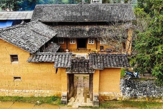 Bên trong nhà cổ trăm tuổi với kiến trúc độc nhất vô nhị ở Hà Giang - 3
