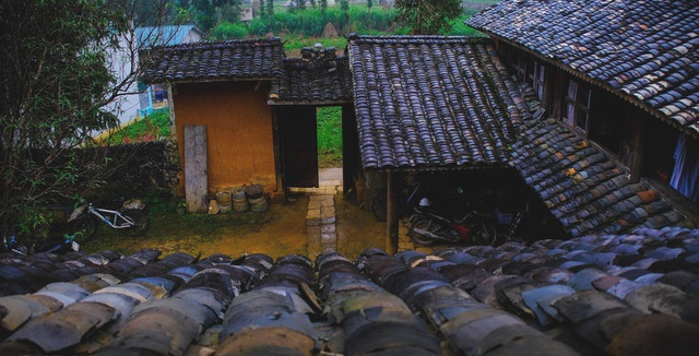 Bên trong nhà cổ trăm tuổi với kiến trúc độc nhất vô nhị ở Hà Giang - 10