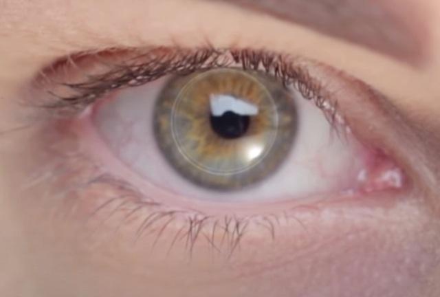 Cấy ghép thành công giác mạc  nhân tạo mang lại ánh sáng cho người mù - 1