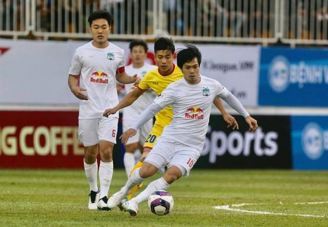 Căng thẳng các cặp đấu trên sân Pleiku và Hàng Đẫy ở vòng 3 V-League - 1