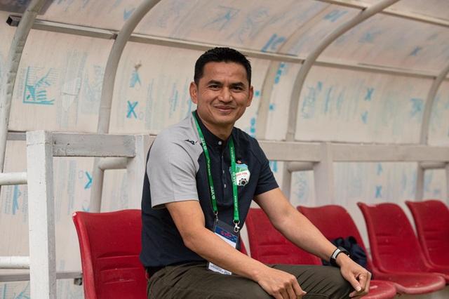 HLV Kiatisuk: HA Gia Lai may mắn thắng SL Nghệ An - 1