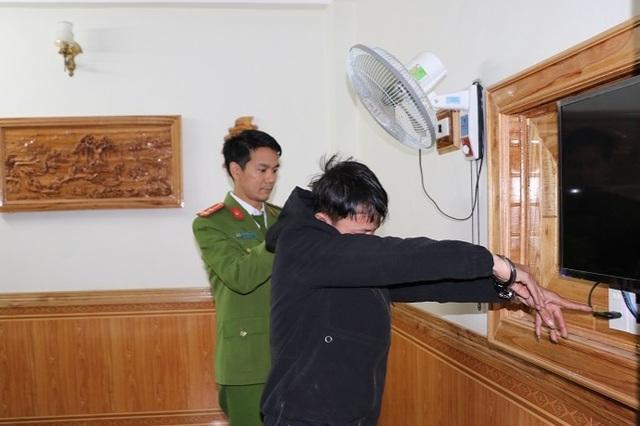 Lắp camera trong nhà nghỉ quay clip nóng để tống tiền các cặp tình nhân - 1