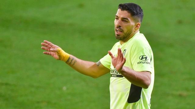 Luis Suarez lập cú đúp, Atletico hơn Real Madrid đến 7 điểm - 4