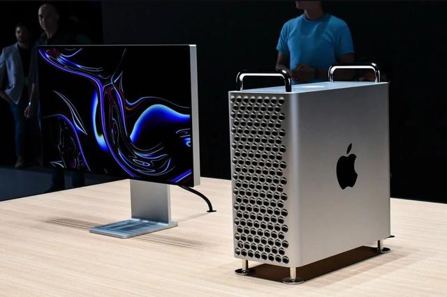 Chiếc máy tính trị giá gần 140 triệu đồng được CEO Apple tặng ông Trump - 2