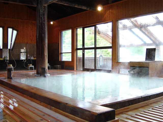 Tắm onsen và trượt tuyết tại ngôi làng gần với những vì sao - 2