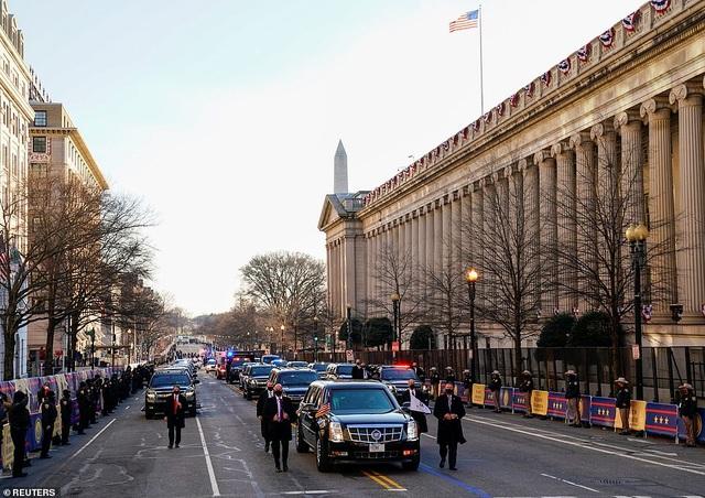 Dàn siêu xe bọc thép hùng hậu nhất lịch sử trong ngày ông Biden nhậm chức - 1