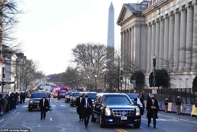 Dàn siêu xe bọc thép hùng hậu nhất lịch sử trong ngày ông Biden nhậm chức - 4