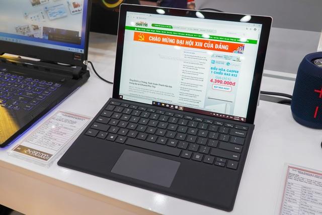 Microsoft lần đầu đưa máy tính Surface về Việt Nam - 1