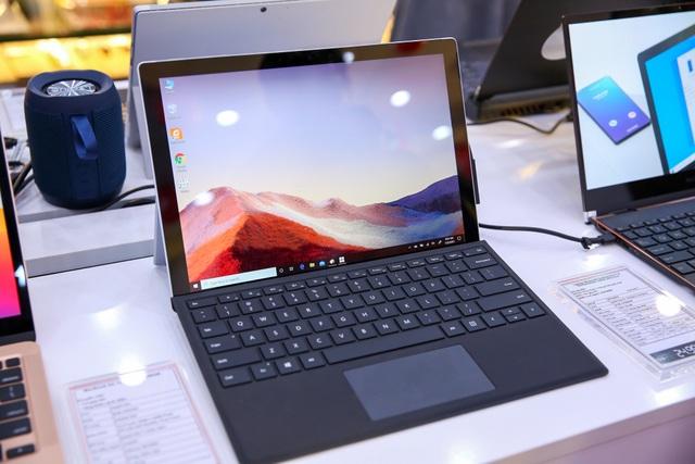 Microsoft lần đầu đưa máy tính Surface về Việt Nam - 2