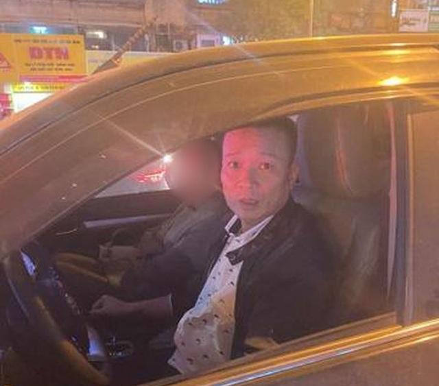 Hà Nội: Khởi tố tài xế đánh người vì bị nhắc dừng xe lâu - 1