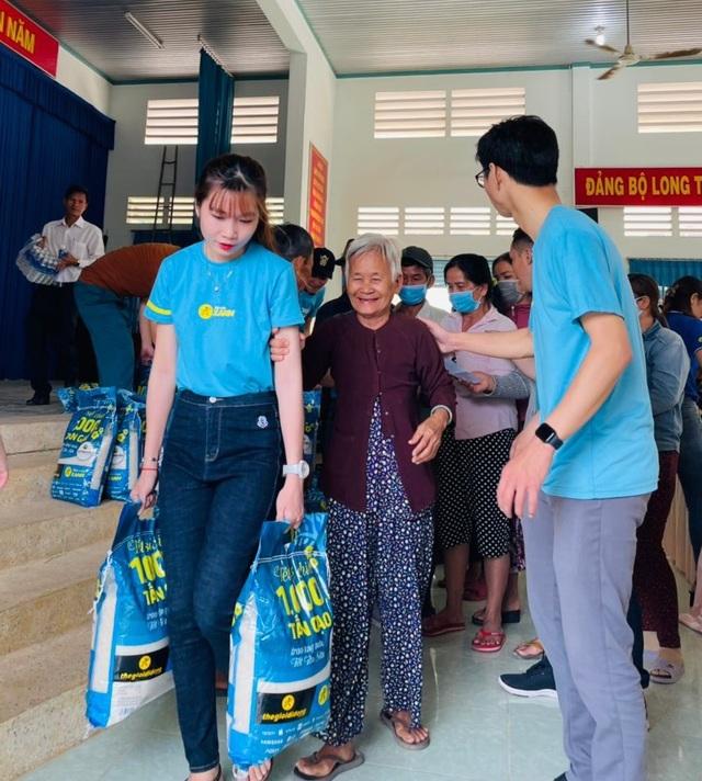 Sức lan tỏa từ chương trình Tết sẻ chia - ngàn tấn gạo trao khắp Việt Nam - 5