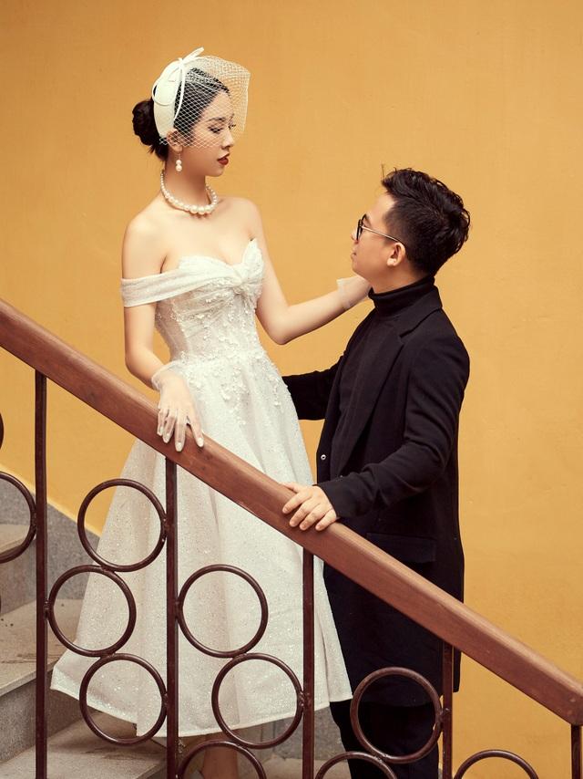 Á hậu Thúy An ngọt ngào khóa môi chồng tại Đà Lạt - 11
