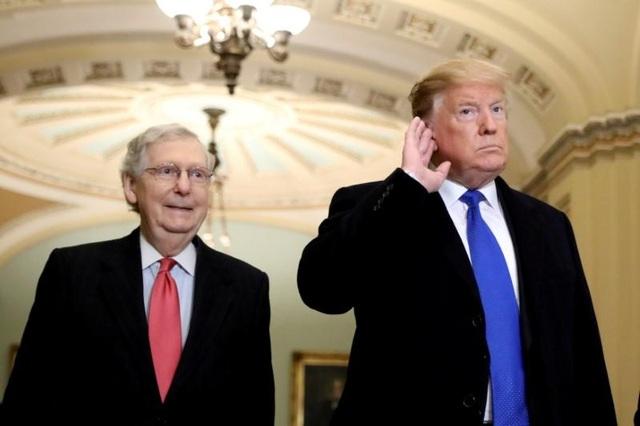 Lãnh đạo Thượng viện Mỹ muốn hoãn xét xử ông Trump - 1