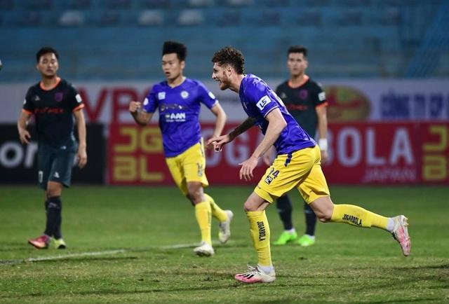 CLB Hà Nội thua đau Bình Dương trên sân nhà - 1