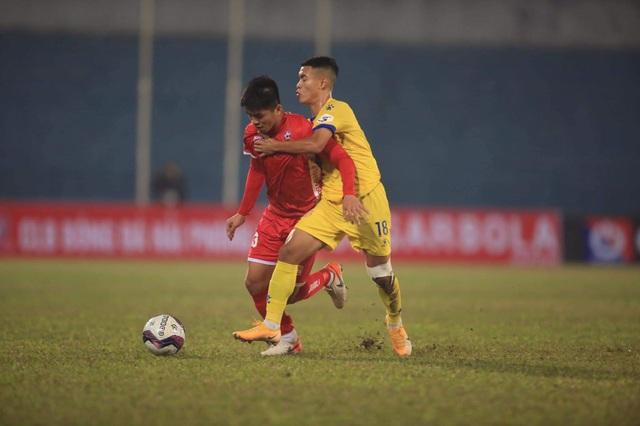 CLB Hải Phòng hạ CLB Nam Định sau màn rượt đuổi tỷ số - 2