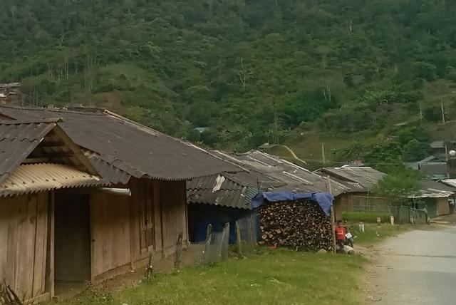 Thanh Hóa: Hơn 2.300 hộ dân chưa có điện lưới quốc gia - 2