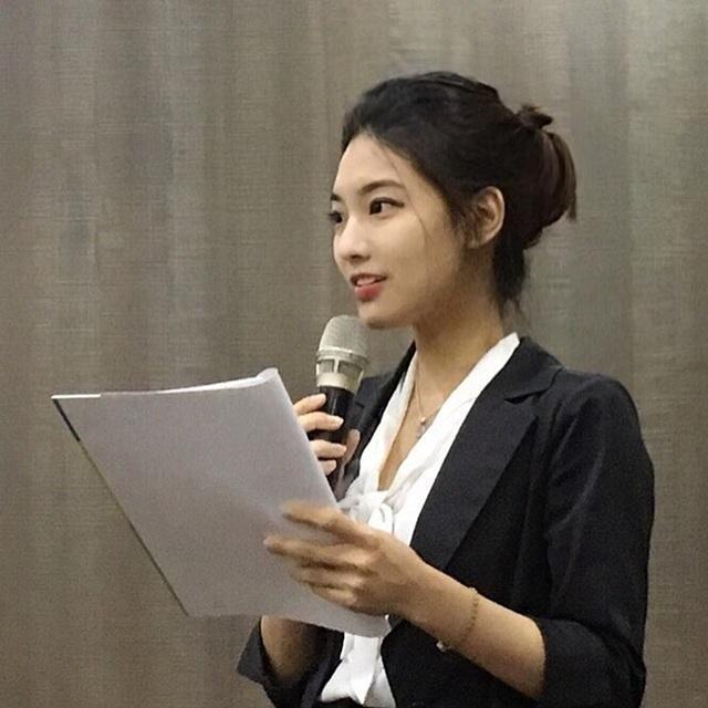 4 cô giáo Hàn, Trung sáng đi dạy, chiều xây đường cong bằng môn thể thao quý tộc - 21