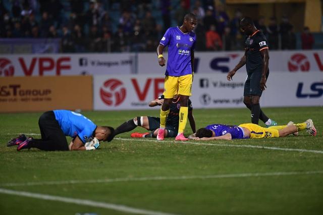 HLV Chu Đình Nghiêm: CLB Hà Nội có thể không lọt vào top 6 V-League - 1