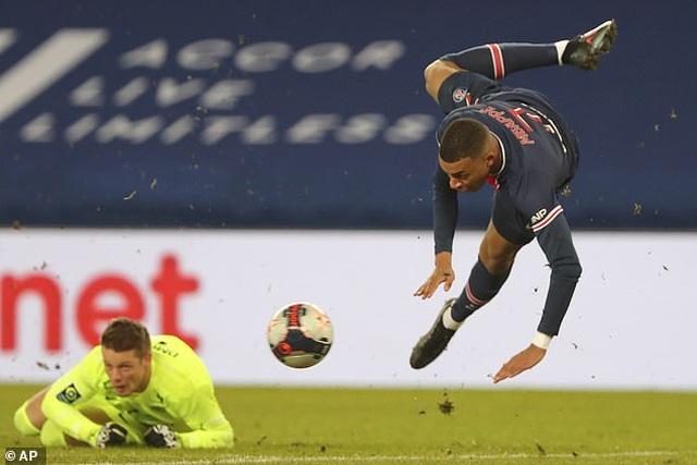 Neymar và Mbappe cùng tỏa sáng, PSG giữ vững ngôi đầu bảng Ligue 1 - 1