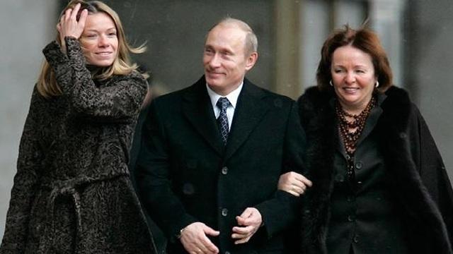 Vợ chồng Tổng thống Nga Putin nuôi dạy hai con gái thế nào? - 9