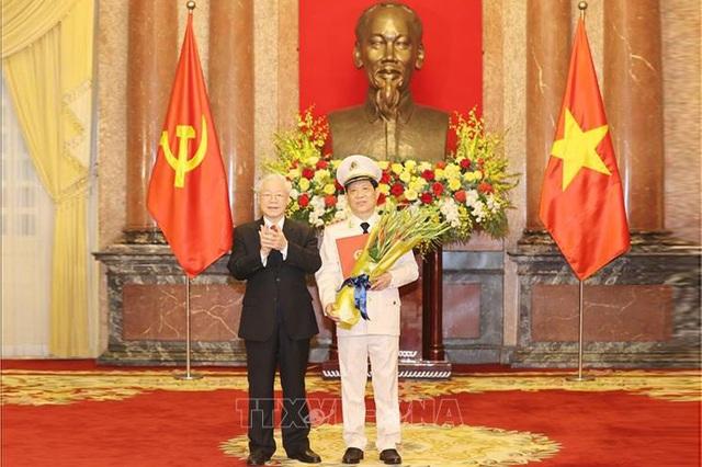 Thăng cấp bậc hàm Thượng tướng cho Thứ trưởng Bộ Công an Nguyễn Văn Sơn - 1