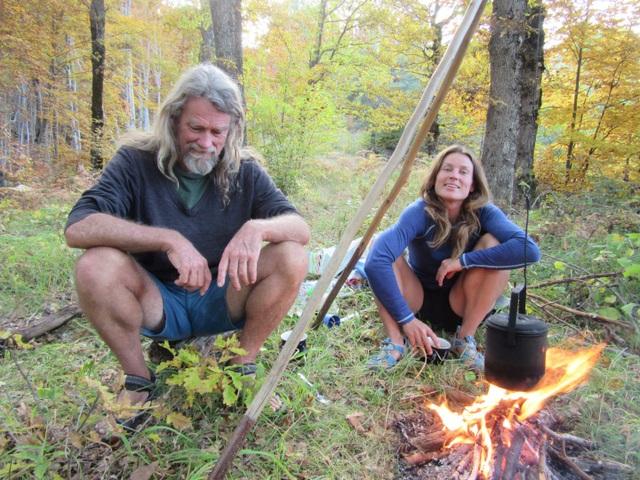 Cuộc sống khó tin của đôi vợ chồng 10 năm sống ẩn mình trong rừng sâu - 8
