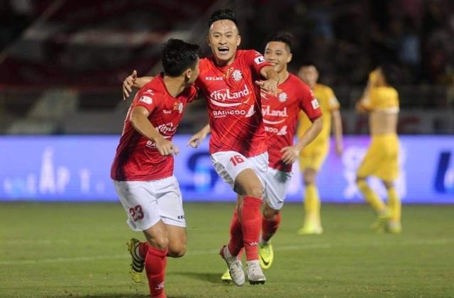 Lee Nguyễn đá chính, CLB TPHCM thắng trận đầu tay ở V-League - 4