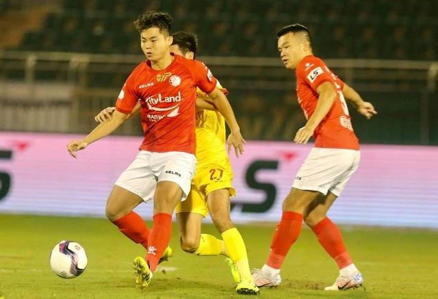 Lee Nguyễn đá chính, CLB TPHCM thắng trận đầu tay ở V-League - 2