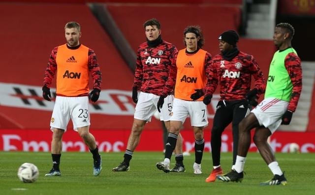 Man Utd 3-2 Liverpool: Salah lập cú đúp, Fernandes tung đòn quyết định - 16