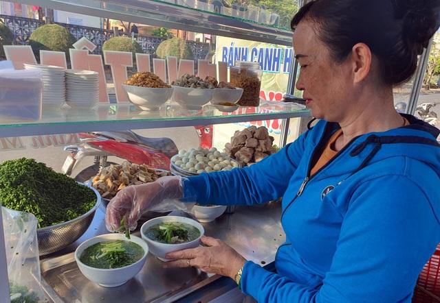 Món bánh canh ngon trứ danh ở Phú Yên, thực khách vừa ăn vừa xuýt xoa - 2
