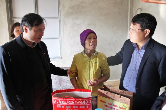 Bí thư Tỉnh ủy thăm hỏi các gia đình chính sách dịp Tết Nguyên đán - 2
