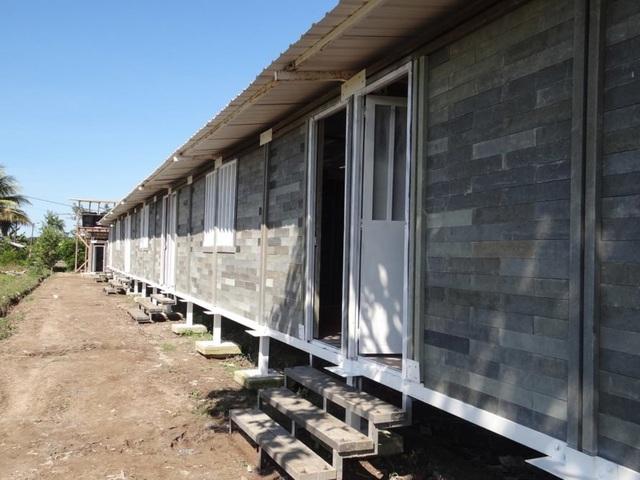 Căn nhà xây trong 5 ngày, chi phí rẻ không ngờ nhờ làm từ gạch... nhựa - 2