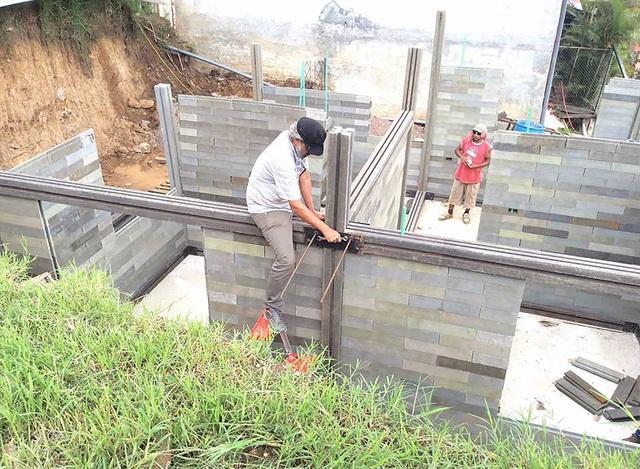 Căn nhà xây trong 5 ngày, chi phí rẻ không ngờ nhờ làm từ gạch... nhựa - 5