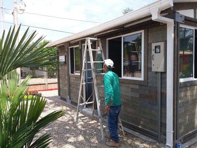 Căn nhà xây trong 5 ngày, chi phí rẻ không ngờ nhờ làm từ gạch... nhựa - 7