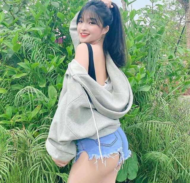 Nữ sinh Đồng Nai mặc áo dài đẹp xuất sắc, diện đồ thường gợi cảm gấp trăm lần - 10