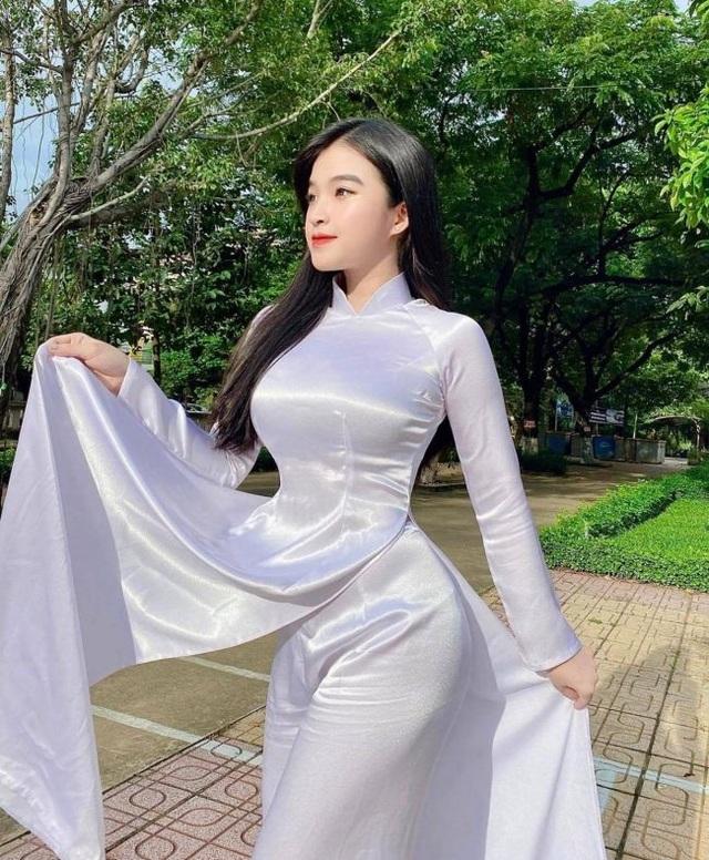 Nữ sinh Đồng Nai mặc áo dài đẹp xuất sắc, diện đồ thường gợi cảm gấp trăm lần - 18