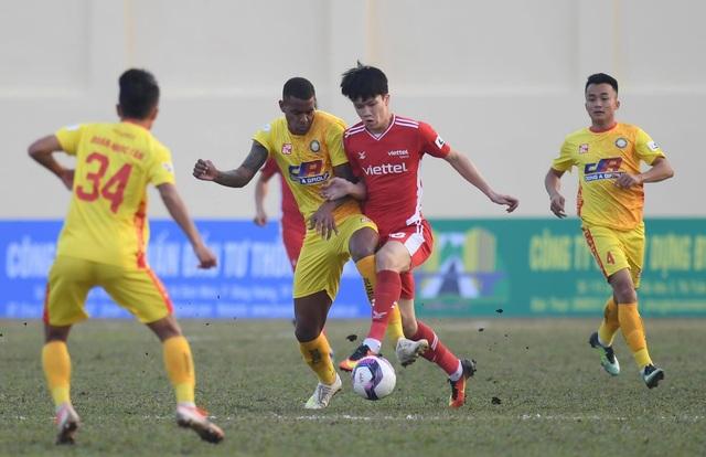 Đương kim vô địch Viettel hòa thất vọng trên sân Thanh Hóa - 2